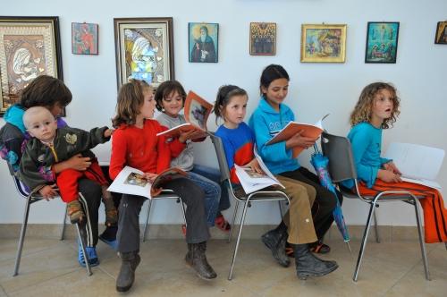 Children in Albania study the Bible. (Jon Warren/WV)